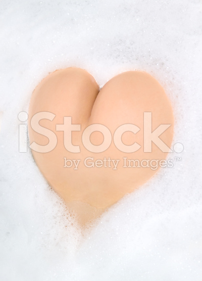 buttocks-in-foam-heart-shape